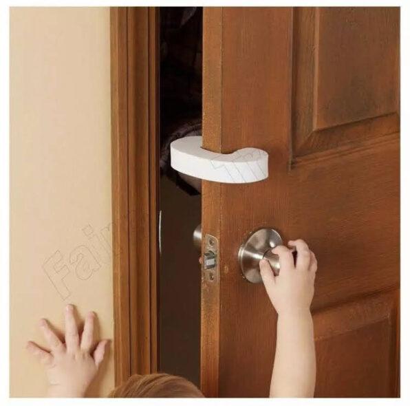 Topes de puerta, goma eva.